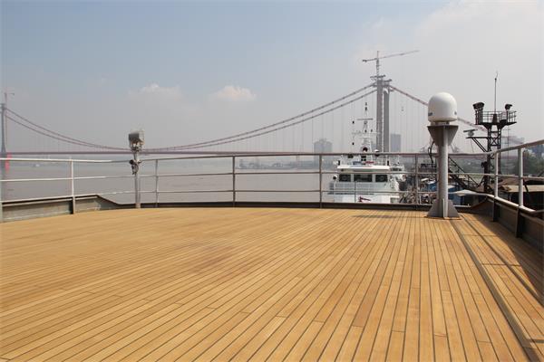 游艇甲板出售